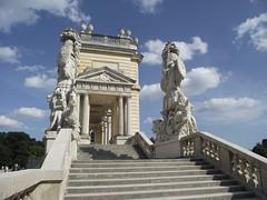 Wien - Schnbrunn Palace: Gloriette (corno.fulgur75) Tags: schnbrunn vienna wien architecture austria sterreich palace vienne neoclassical autriche gloriette historicalbuilding hietzing august2014