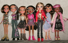 Newish Bratz girls - any IDs welcome :) (skipscales) Tags: black fashion doll dolls dana jade sasha yasmin brunette mga catz bratz cloe nevra