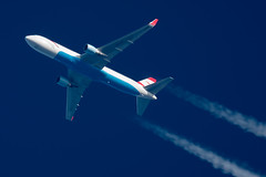 Austrian Airlines Boeing 767-3Z9ER OE-LAY (Thames Air) Tags: austrian airlines boeing 7673z9er oelay contrails telescope dobsonian overhead vapour trail
