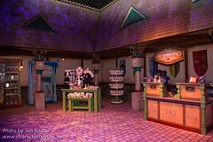 Kikka's Keepsakes store - inside Olaf's Snow Fest