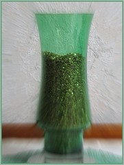 050 Green Vase - glass. (Andy panomaniacanonymous) Tags: glass picasa vase ggg vvv focalzoom shootaboot alphachrome