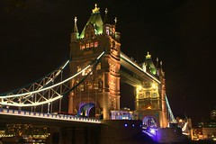 Tower Bridge at night, London (www.traveljunction.com) Tags: towerbridge towerbridgelondon famousbridges towerbridgeatnight
