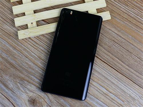 Contrast Reviews Xiaomi Mi Note VS Huawei Ascend Mate7, Who is better-2