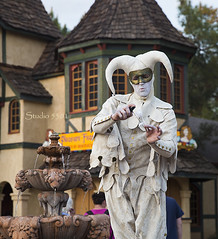 Joker's tricks 8808PatLam (Studio5301) Tags: costumes festival kids children drums kilt bellydancer drummer faire clan renaissancefaire chld arizonarenaissancefestival fairycostumes studio5301 festivalsinphoenix patricialam patricialamphotographycom