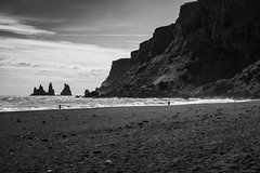 Black Sand Beach (michael.mu) Tags: leica m240 50mm 50mmsummiluxv2 vik iceland landscape bw blackandwhite beach black volcanic silverefexpro reynisdrangur reynisfjall nordicvisitor