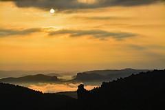 Summer Sunrise (Sandsteiner) Tags: sonnenaufgang sunrise sommer nebel fog landschaft papststein falkenstein hoheliebe schrammsteine elbsandsteingebirge sandsteiner