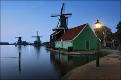 Zaanse Schans (jeanny mueller) Tags: holland niederlande mhle mill moulin sunset blue water landscape light netherlands zaanse schans