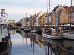 Copenhagen 2016 (hunbille) Tags: denmark copenhagen kbenhavn nyhavn harbour canal new reflection ship ships boat boats