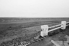 le pays de l'absence (Nicolas Fourny photographie) Tags: canon 600d sigma 18200 landscape lecrotoy baiedesomme france picardie blackandwhite nb beach sea seaside beautifullandscape