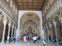 Ravenna: Basilica of Sant'Apollinare Nuovo (escriteur) Tags: img6895 italy ravenna viadiroma basilica church santapollinarenuovo basilicaofsantapollinarenuovo basilicadisantapollinarenuovo