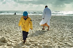 Badetag (markus.homann) Tags: sylt westerland beach strand meer nordsee northsea island yellow ocean nikkor50mm18ai nikond700