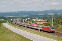 L'EuroCity 63 passe  Loosdorf (Trains-En-Voyage) Tags: db eurocity obb mav westbahn dbbr101