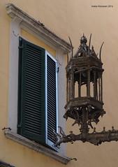 Lantern, Pisa, Italy (Ineke Klaassen) Tags: lantern lantaarn pisa italy italia itali toscana tuscany old rusty toscane italian window windows lanterns linterna lanterna laterne
