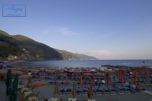 "Cinque terre - Monterosso al mare • <a style=""font-size:0.8em;"" href=""http://www.flickr.com/photos/104879414@N07/29615387893/"" target=""_blank"">View on Flickr</a>"