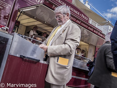 2016_goodwood 051-1 (marv.images) Tags: streetfood streetphotography goodwood horseracing