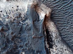 ESP_045960_1705 (UAHiRISE) Tags: mars nasa jpl mro universityofarizona landscape science geology