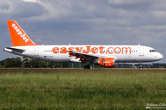 EasyJet --- Airbus A320 --- G-EZUP (Drinu C) Tags: adrianciliaphotography sony dsc hx100v ams eham plane aircraft aviation easyjet airbus a320 gezup