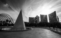 VALENCIA. SKYLINE. (FRANCO600D) Tags: valencia skyline controluce bw architettura palazzi cono spagna bianconero cielo nuvole canon eos600d sigma franco600d