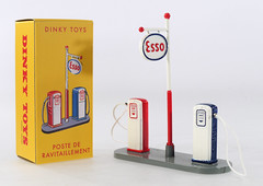 DIF-A-49D-Esso-Pumps (adrianz toyz) Tags: atlas reissue dinky toys france french diecast toy model 49d esso petrol pumps sign
