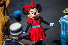 Hi Minnie! (Samantha Decker) Tags: anaheim ca california canoneos6d dapperdans disneyland mainstreetusa minniemouse samanthadecker themepark canonef135mmf2lusm