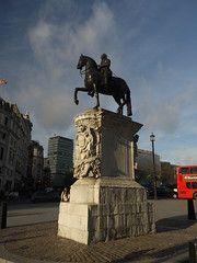 Charles 1 (Worthing Wanderer) Tags: christmas winter london westminster december sunny yearofthebus