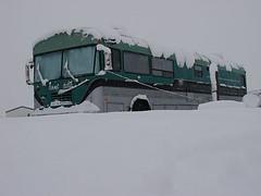 Snow Bus (shumpei_sano_exp4) Tags: snow bus home bluebird schoolbus rv busconversion