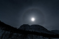 Moon Halo (Mike_Y_Wong) Tags: moon norway night halo full tromso tromsø troms