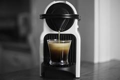 Ponte un cafelito (Antonio MalaMente) Tags: coffee cafe negro expreso caliente espuma nespresso intenso capsulas