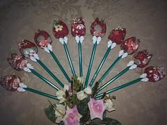 Tulipas em tecido (flordeliskarolmoura) Tags: flores mimo guirlanda infantil jardim tulipas bebe minnie menina brinde maternidade tecido enfeite cachepot lembrancinha enxoval centrodemesa