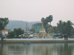 Mae Hong Son Lake