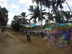 Seifenblasen in Behinderteneinrichtung in Ittapana, Sri Lanka 10
