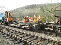 Loading LC panels onto PWay train 9Mar15
