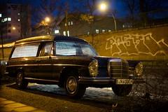 Berliner Strae, Berlin-Prenzlauer Berg (danichtfr) Tags: berlin 35mm 60s sony mercedesbenz f18 karren nex leichenwagen w108 guessedberlin sonyalpha gwbthomaslautenschlag nex6 sonye35mmf18oss
