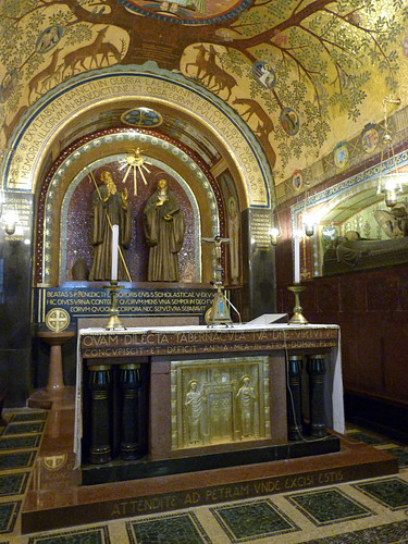 Monte Cassino - the abbey church, crypt (8)