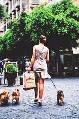 en passant (maurizio siani) Tags: street summer italy woman dog verde dogs cane foglie alberi shopping donna strada italia estate gente via persone napoli naples albero bellezza ragazza cani capelli luglio passeggio dietro 2016 camminare napoletana napoletano eleganza guinzaglio passeggiare chiaia spalle cammina vestitino comprare raccolti