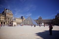 Paris (aurlien.) Tags: eos5dmarkii canoneos5dmarkii tse24mmf35lii canontse24mmf35lii tse ts tiltshift tilt shift paris louvre pyramid pyramide