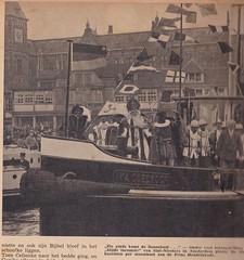 Intocht Sinterklaas en Zwarte Pieten, 1936 (Jo Hedwig Teeuwisse) Tags: intocht sinterklaas zwarte piet pieten zwartepiet 1936