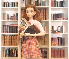 I'll just read them all! (MurderWithMirrors) Tags: momoko sekiguchi doll cosmossweetheart library books miniaturebooks mwm lili