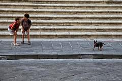 IMG_0673 (Roberto Audenino) Tags: noto urban sicilia sicily ironic street streetphotography children
