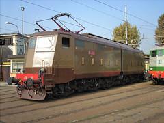 FS E636 265 (maurizio messa) Tags: milanosmistamento lombardia e636 e636265 mau bahn ferrovia treni trains railway railroad nikonl10 nikoncoolpixl10