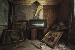 Ultima Cena (Photonirik) Tags: abandoned house urbex urban exploration decay dernier repas apotres ue peintures the perfect photographer
