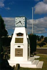 Cenotaph, Werris Creek, NSW, January 1989 (Coalfields Heritage Group) Tags: werriscreeknsw werriscreek coalfieldsheritagegroup percysternbeckcollection nsw australia book22 sternbeckbk220189c006 cenotaph