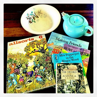 365/322 • went to the tip shop to get rid of stuff this morning, and... um... came home with more. Can't resist #books and my little teapot broke last month... The bowl is for the caravan. • #2014_ig_322 #tipshopbounty #crockery