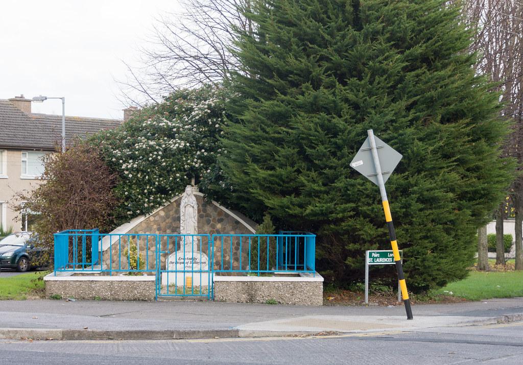 Marian Statue - Stillorgan Village Ref-100081