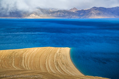 Amazing Blue, Tangra Yumco, Tibet (Feng Wei Photography) Tags: china travel blue bon light shadow mountain lake color tourism beautiful beauty horizontal cn landscape religious scenery colorful asia view outdoor turquoise religion scenic dramatic atmosphere tibet holy sacred stunning vista tibetan atmospheric breathtaking nima nagchu nyima naqu tangrayumco