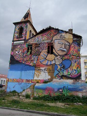 Vivenda Victoria (cyclingshepherd) Tags: building art portugal painting graffiti victoria moustache algarve february 125 olho 2015 vivenda en125 n125 s100fs cyclingshepherd