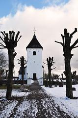 Adels kyrka, Sverige (Bochum1805) Tags: winter church vinter churchyard sn trd kyrka kyrkogrd kyrktorn adelskyrka