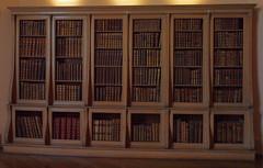 2016_06_0489 (petermit2) Tags: castlehoward northyorkshire yorkshire treasurehouse statelyhome inside bookshelf book books
