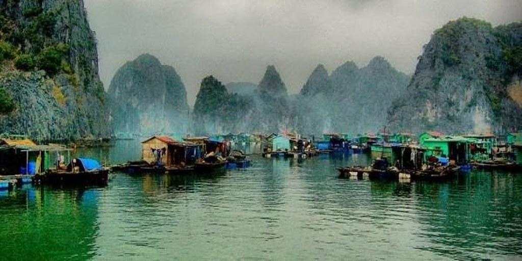 làng chài Cửa Vạn