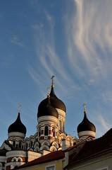 Look up to the sky and see (Lara Sanz Serrano) Tags: beautiful sky tallinn estonia cathedral catedral dom ortodoxo sunset